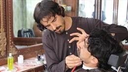 Tỉnh ở Afghanistan cấm cạo râu, bật nhạc trong hiệu cắt tóc