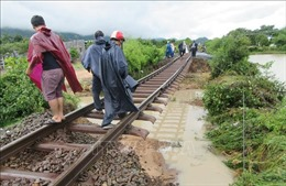 Thông toàn tuyến đường sắt Bắc – Nam sau bão số 9