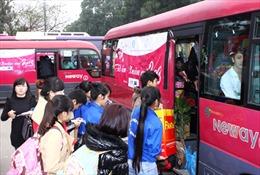 Hỗ trợ 28 xe khách miễn phí đưa người lao động nghèo Thanh Hoá - Nghệ An từ Hà Nội về quê đón Tết