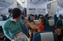 Từ 1 - 10/6, hành khách nhí sẽ được tặng quà trên tất cả các chuyến bay nội địa