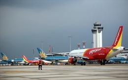 Các hãng hàng không điều chỉnh lịch bay do ảnh hưởng của bão Ling Ling