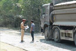 Xe quả tải vẫn 'nhờn luật', ngang nhiên hoạt động tại 10 tỉnh, thành phố