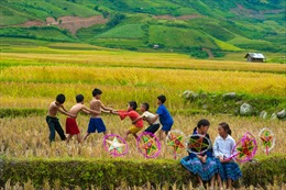 Cả tháng săn vé 0 đồng, đi du lịch khắp Việt Nam