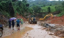 Bão số 9 gây hư hỏng và tắc đường hàng loạt tuyến quốc lộ qua miền Trung