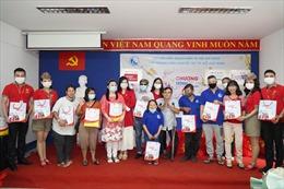 Vietjet tặng quà, chúc mừng năm mới người khuyết tật