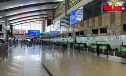 Lượng hành khách đi máy bay giảm mạnh