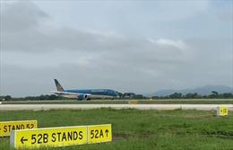 Chuyến bay đầu tiên trên đường cất hạ cánh 1B sân bay Nội Bài