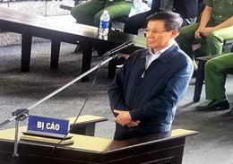 'Nóng' lời thú nhận tại phiên tòa vụ đánh bạc nghìn tỷ và vụ tát học sinh tại Quảng Bình