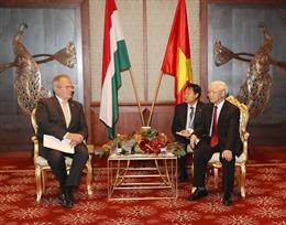 Tổng Bí thư Nguyễn Phú Trọng tiếp Chủ tịch đảng Công nhân Hungary Thurmer Gyulát