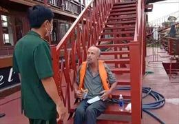 Lực lượng Biên phòng Thành phố Hồ Chí Minh cứu một người quốc tịch Mỹ gặp nạn trên sông Sài Gòn