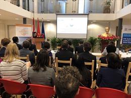 ĐSQ Việt Nam tại Hà Lan tổ chức Hội nghị bàn tròn về biến đổi khí hậu và an ninh
