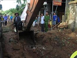 Nổ bom khi đang thi công công trình làm một người dân bị thương