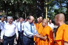 Thủ tướng thăm, chúc mừng các chư tăng Khmer dịp Tết Chôl Chnăm Thmây