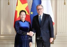 Chủ tịch Hạ viện Pháp đón, hội đàm với Chủ tịch Quốc hội Nguyễn Thị Kim Ngân
