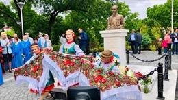 Khánh thành tượng đài Bác Hồ tại thành phố Vladivostok của Nga