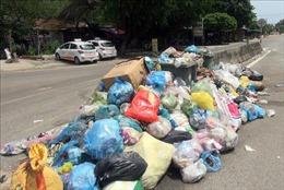 Quảng Nam: Rác thải lưu cữu chất đống, bốc mùi hôi thối ở khu dân cư