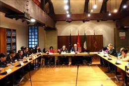 Phó Chủ tịch Quốc hội Phùng Quốc Hiển thăm, làm việc tại Italy