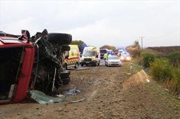 Xe buýt đâm xe tải, ít nhất 33 người thương vong tại Slovakia