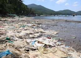 Rác thải 'bức tử' nhiều bãi biển Khu du lịch Quốc gia Vịnh Xuân Đài