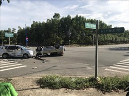 Va chạm giữa hai ô tô trong trung tâm thành phố, 7 người bị thương