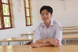 Cậu học trò làng mộc giành hai điểm 10 trong Kỳ thi tốt nghiệp THPT