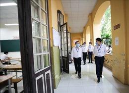 Thi tốt nghiệp THPT 2020: Lãnh đạo TP Hà Nội kiểm tra, động viên các thí sinh