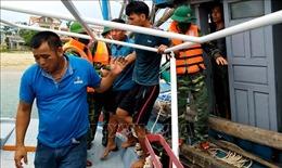 Kịp thời cứu nạn 4 thuyền viên trên tàu cá bị chìm