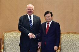 Phó Thủ tướng Trịnh Đình Dũng tiếp Đại sứ Liên bang Nga tại Việt Nam