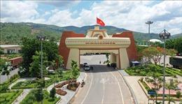 Việt Nam - Lào sánh bước trên con đường phát triển phồn vinh