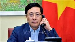 Phó Thủ tướng Phạm Bình Minh điện đàm với Bộ trưởng Ngoại giao Singapore