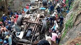 Sri Lanka: Xe khách lao xuống vực khiến hàng chục người bị thương vong
