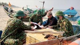 Quảng Bình: Tàu cá chìm sau khi va chạm mạnh với tàu hàng trên biển
