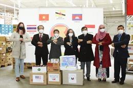 Ủy ban ASEAN tại CH Séc hỗ trợ người dân vượt qua đại dịch COVID-19