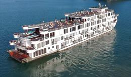 Cách ly tạm thời 182 người trên du thuyền ở vịnh Hạ Long vì đầu bếp là F1