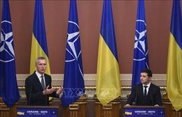 Lãnh đạo NATO, Ukraine điện đàm