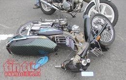 Xe máy đấu đầu khiến hai nam thanh niên tử vong tại chỗ