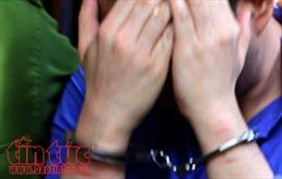 Tạm giữ hình sự phụ huynh bạo hành học sinh lớp 1 ởHòa Bình