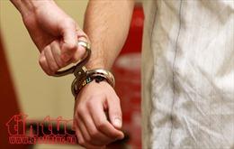 Tạm giam thêm 2 cán bộ địa chính xã liên quan cấp 'sổ đỏ'trên đất quốc phòng