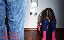 Trẻ em bị xâm hại có nguy cơ tự tử cao hơn khi trưởng thành