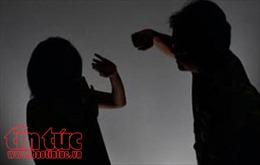 Đang lấy  lời khai vụ chồng võ sư bạo hành vợ dã man tại quận Long Biên, Hà Nội