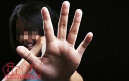 Khởi tố 3 đối tượng vụ thiếu nữ 17 tuổi bị lột áo, quay clip đăng lên Facebook