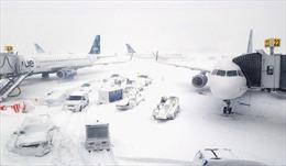 Bão tuyết khiến hơn 1.000 chuyến bay tại Mỹ phải hủy bỏ