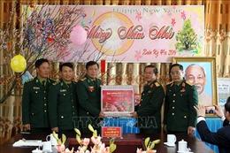 Phó Chủ tịch Quốc hội Đỗ Bá Tỵ thăm, tặng quà Tết tại tỉnh Lào Cai