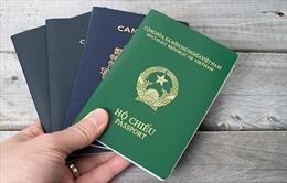 Làm thủ tục cấp hộ chiếu cho bệnh nhân ngay tại giường bệnh