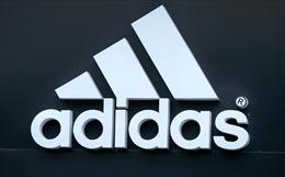 Adidas thông báo đóng cửa hai nhà máy sử dụng nhân công là các robot