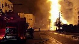 Nổ khí gas làm sập một phần tòa nhà, nhiều người mắc kẹt