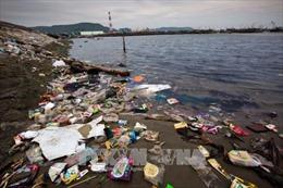 Những thách thức về an ninh môi trường - Bài 2: Sức ép về nguồn nước và môi trường biển