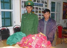 Lai Châu: Liên tiếp bắt quả tang các đối tượng vận chuyển pháo trái phép