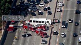 Xe buýt đâm xe khách trên cao tốc, ít nhất 40 người bị thương