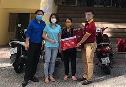 Agribank chi nhánh Sài Gòn trao quà cho người dân bị ảnh hưởng bởi COVID-19